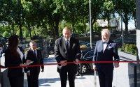 İlham Əliyev yeni səfirlik binasının açılışında - Foto
