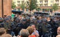 """""""ADİ FAŞİZMDİR…"""" – Rusiya polisinin zorakılığı böyük etirazlara səbəb olub – VİDEO"""