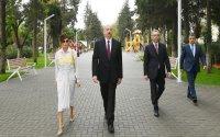 Prezident və xanımı Atatürk parkının açılışında (FOTOLAR)