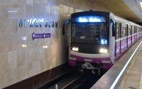 Bakı metrosunda qorxulu anlar - Son anda xilas edildi (FOTO)