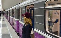 Metroda sərnişinin relslərin üstünə yıxılması ilə bağlı rəsmi açıqlama