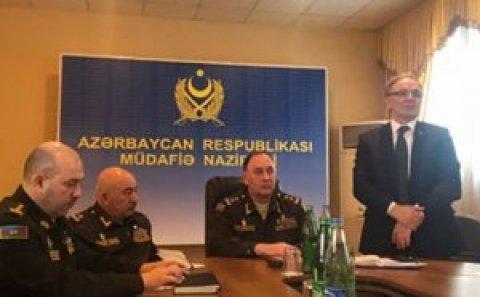 """Eynulla Fətullayevdən generala sual: """"Hansı nazirin oğlu orduda xidmət edir?..."""""""