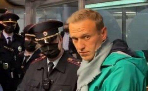 Qərb Rusiyanı Navalnıya görə sərt qınadı