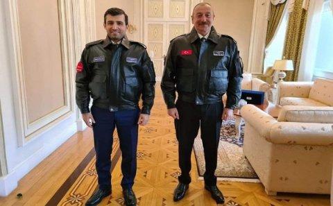 Prezident Selçuk Bayraktarı ordenlə təltif etdi - FOTOLAR
