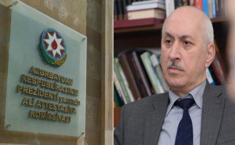 """Professor elmi dərəcə almaq prosedurunu topa tutdu: """"Elmə nifrət yaradırlar..."""""""