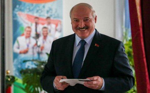 Azərbaycan və erməni xalqları mövqeyimi bilirlər - Lukaşenko
