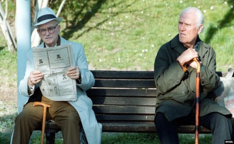 Ölkədə pensiya yaşı niyə artırılır? –Bir çox insan staja görə təqaüd ala bilməyəcək