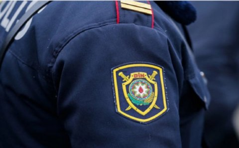 Azərbaycanda polis BIÇAQLANDI